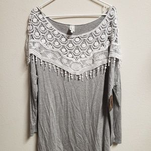 NWT Bellamie Adorbale Gray & Lace Tunic Large